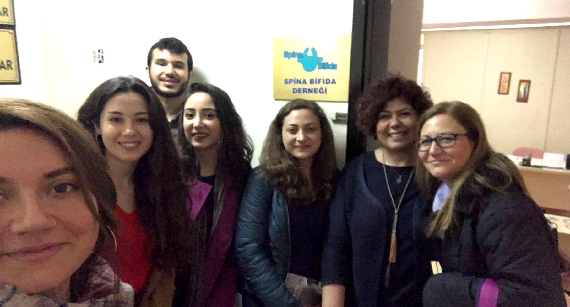 Ege Üniversitesi Tıp fakültesi öğrencileri Dr. Aslı Kılavuz hocamızla birlikte derneğimizi ziyaret etti