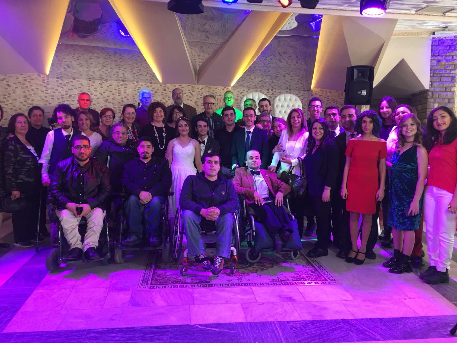 Yönetim kurulu üyelerimizden Ece Bulgurcu ve üyemiz Barış Girit evlendi